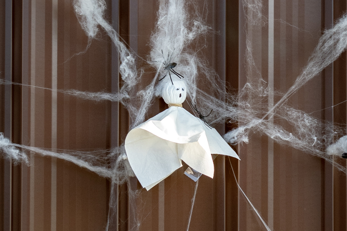 How to make a lollipop ghost!
