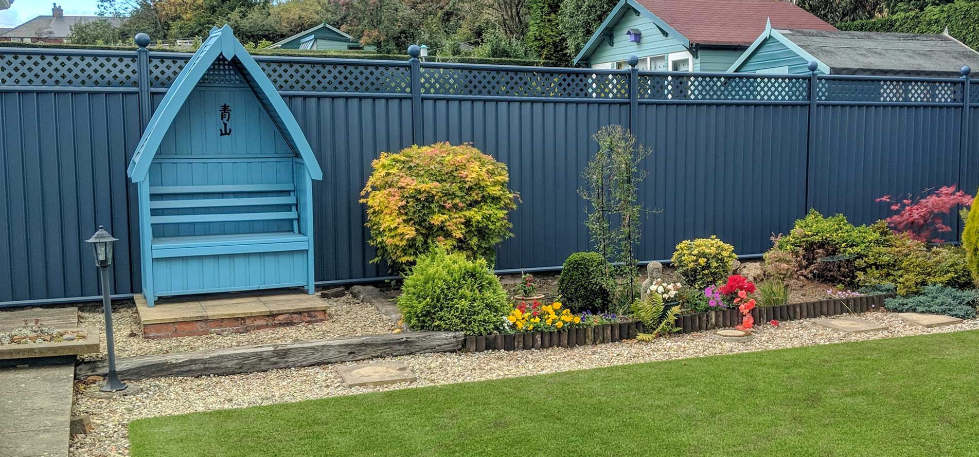 The Best Alternative to Wood Garden Fencing