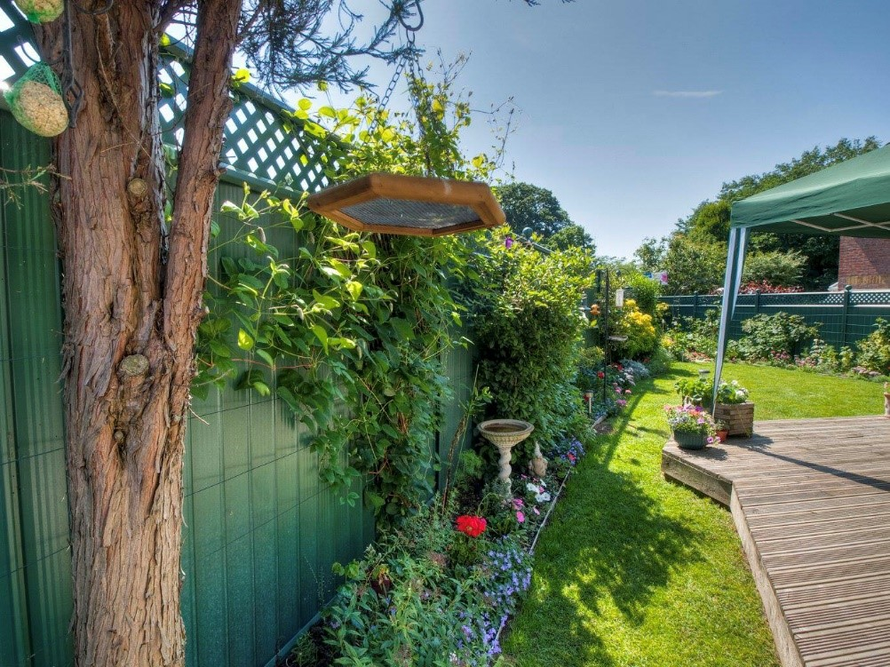 Making your Fence a Feature!